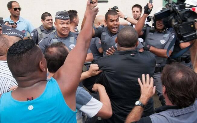 Policiais precisaram agir para evitar confronto entre manifestantes pró e contra Lula. Foto: Rodrigo Robatini/Futura Press - 4.3.16
