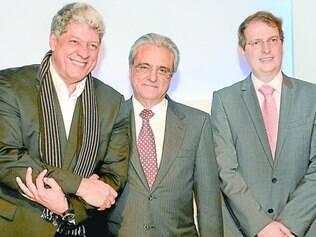 Convênio. Antônio Grassi, pelo Inhotim, com Robson Andrade e membro de universidade inglesa