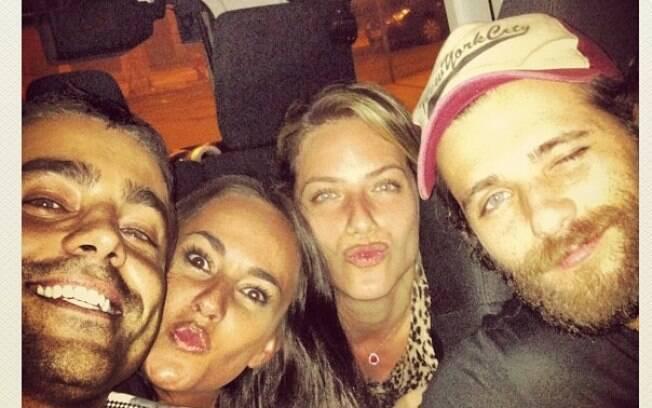 Bruno Gagliasso e Giovanna Ewbank curtiram a madrugada com Ricardo Pereira, a mulher Francisca Pinto e amigos