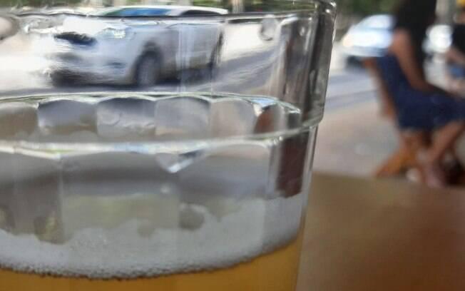 Multa para consumo de álcool em ruas e postos de Campinas passa a valer hoje