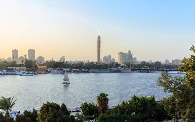 A capital do Egito, Cairo, é a maior do continente africano, com quase 20 milhões de habitantes