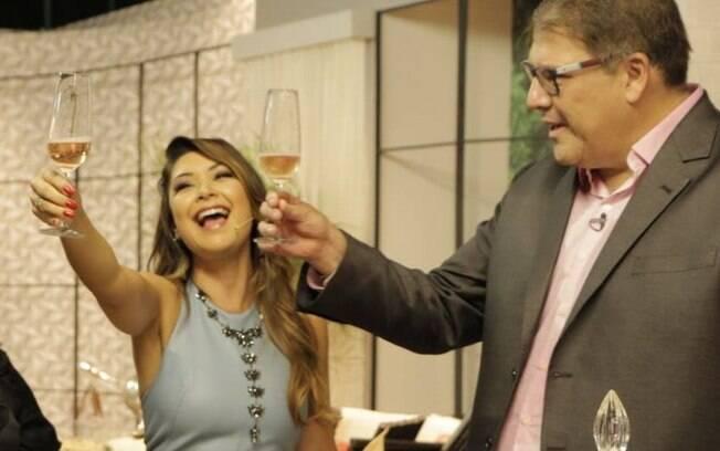 Luciano Faccioli e Amanda Françozo lideram transmissão do Festival Virada Salvador na Rede Brasil