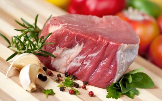 Comunidade médica diz que estudo sobre carne vermelha é