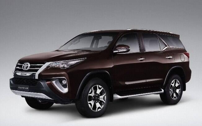 Toyota Hilux SRX Diamond: Chega à linha 2019 a versão mais luxuosa de um dos SUVs mais tradicionais do mercado