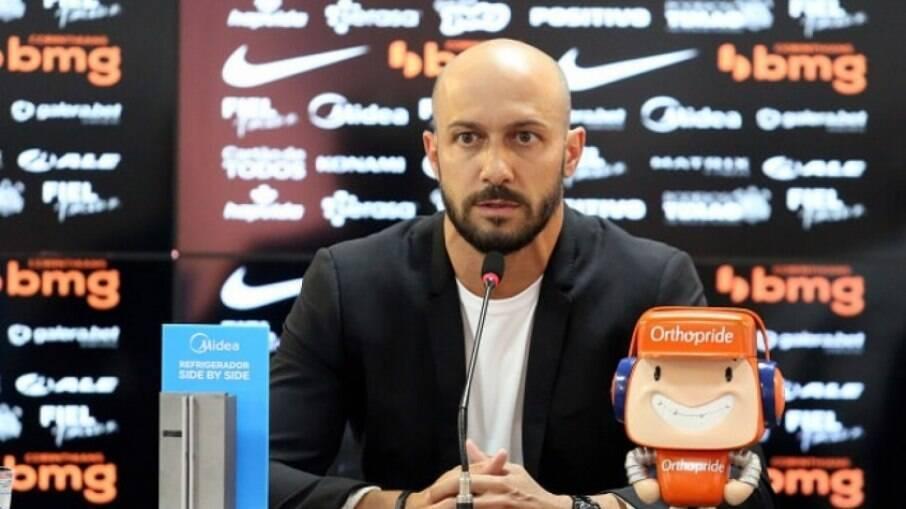 Alessandro acredita que Luan ainda possa ajudar o Corinthians