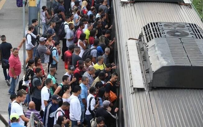 Caso aconteceu em trem da SuperVia na estação de Nilópolis