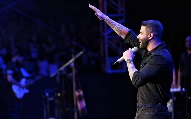 Gusttavo Lima se apresentou em Barretos (SP) e anunciou que diminuirá o ritmo de shows em 2020