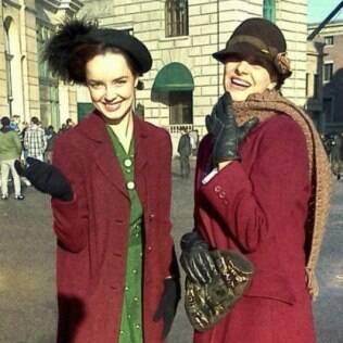 Carolina Monte Rosa (à esquerda) em foto publicada no Facebook
