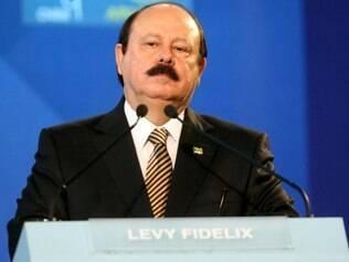 Janot abre investigação sobre fala de Levy Fidelix sobre os homossexuais