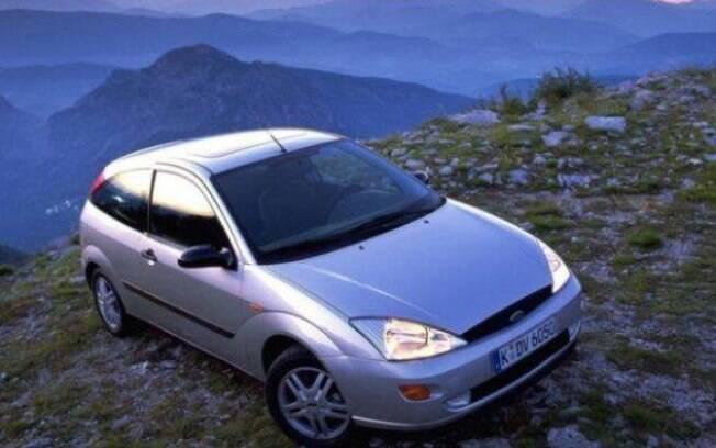 O Focus chegou ao mercado brasileiro no ano 2000 como um projeto global da Ford para carros médios