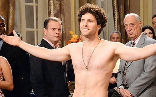Thiago Fragoso na famosa cena de nudez masculina de