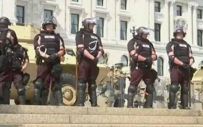 Tanques e militares protegeram sede do governo do Minnesota, nos EUA