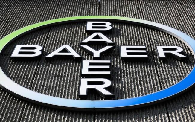 Como parte do acordo com a Bayer, a BASF se comprometeu a manter todos os cargos permanentes, em condições similares, durante pelo menos três anos após o fechamento da operação