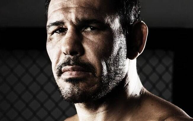 Minotouro é o atual 10º colocado da categoria Meio-Pesado do ranking UFC
