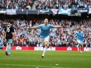 Manchester City conquista o título inglês após vitória sobre o West Ham por 2 a 0