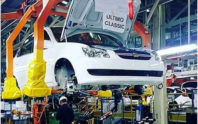 Última unidade do Chevrolet Classic sai da linha de montagem na Argentina