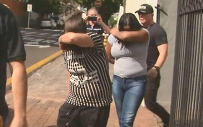 Mulher foi presa junto à namorada