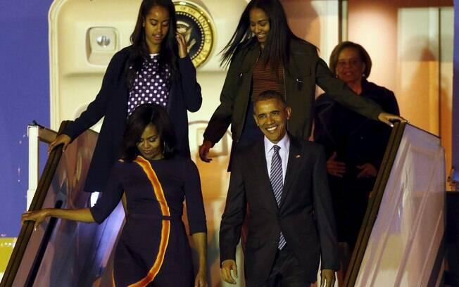 Líder norte-americano chega com a família para a visita oficial na Argentina