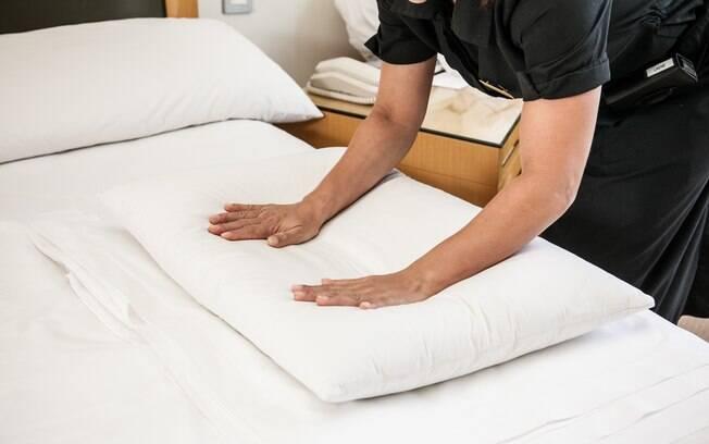 Resultado de imagem para arrumando a cama