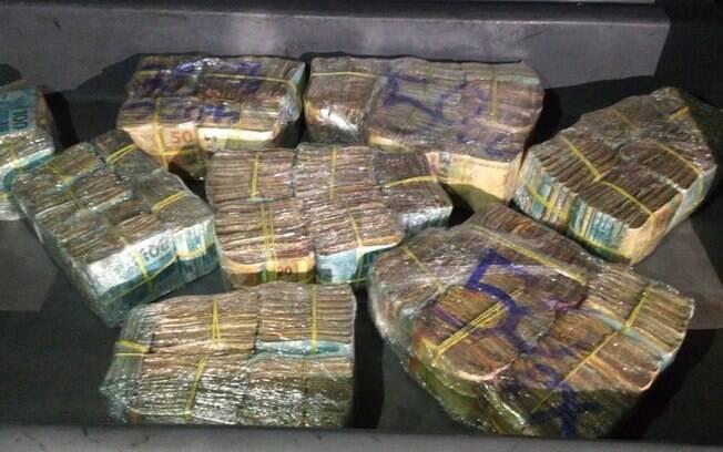 PM apreende R$ 400 mil em Belo Horizonte do tráfico de drogas