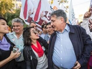 Fernando Pimentel participa de caminhada em Betim, no dia 1/8/2014