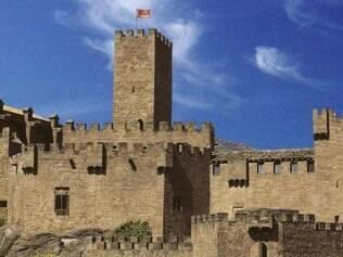 Castelo de Javier, em Navarra, preserva suas muralhas do século 10