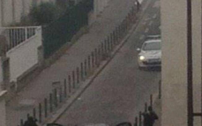 Imagens dos supostos terroristas (07/01). Foto: Reprodução/Twitter