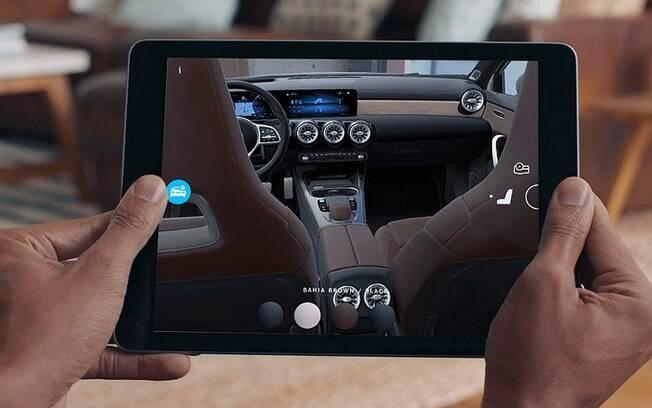Mercedes-Benz já conta com aplicativos através de tablets e smartphones, que exploram a realidade virtual