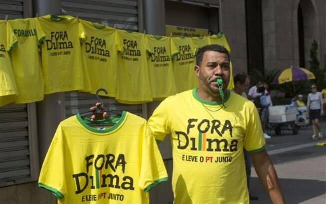 Como no protesto de março, camelôs tentaram faturar com o protesto na Avenida Paulista