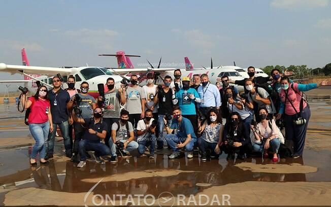 Azul, em parceria com Contato Radar, leva spotters para uma experiência rosa em Viracopos