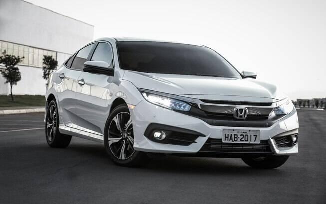Honda Civic se destaca pelos controles eletrônicos de estabilidade e tração, equipamentos ausentes no City até hoje