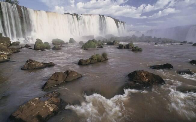 Cataratas do Iguaçu estão entre os principais cartões postais do Brasil