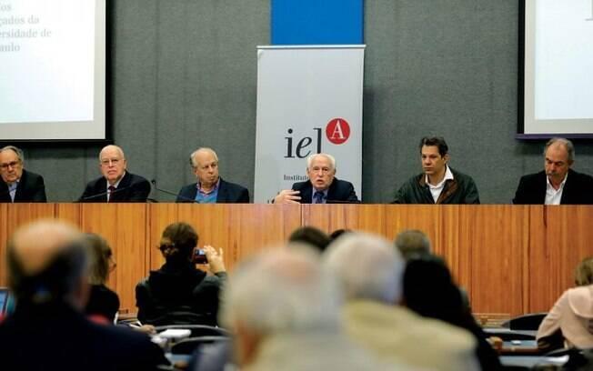 Seis ex-ministros da Educação se reuniram na Universidade de São Paulo