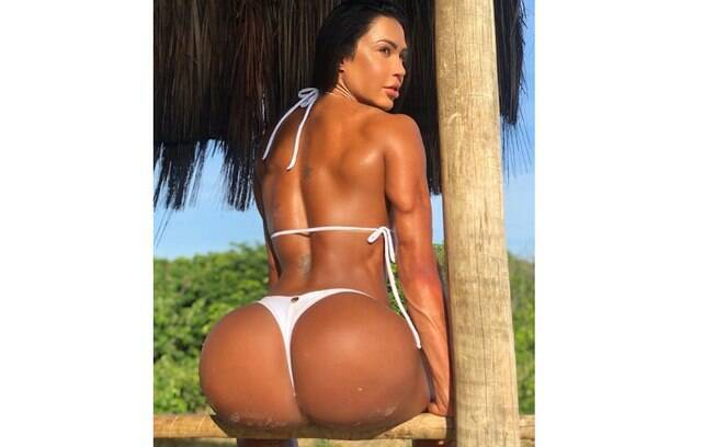 Gracyanne Barbosa mostra