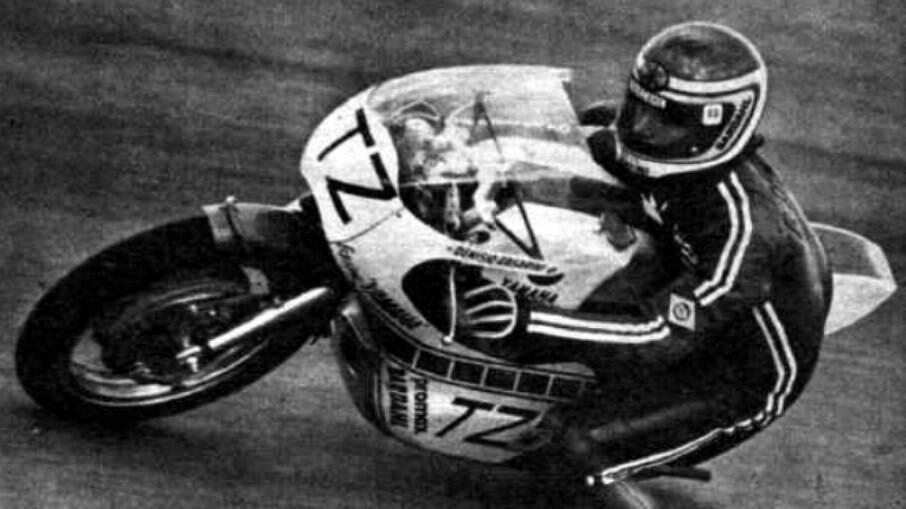 Denísio Casarini, com uma Yamaha TZ 350
