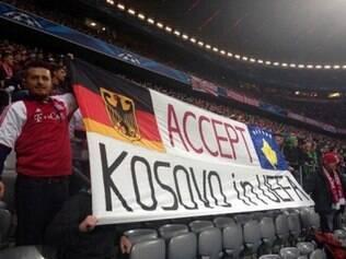 Torcida do Bayern pediu apoio ao Kosovo na Allianz Arena