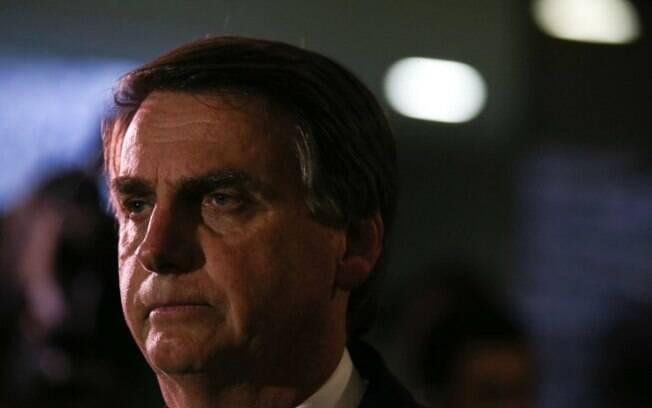 """Em resposta aos questionamentos sobre seu patrimônio, Bolsonaro acusou de """"canalha"""" a imprensa"""