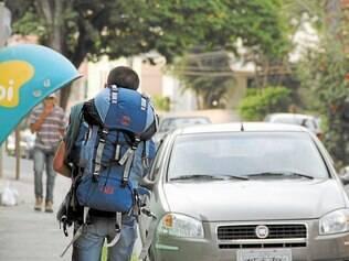Trauma. No fim da tarde de sexta-feira (19), o rapaz saiu de casa, ainda com marcas da violência, para um retiro na região metropolitana