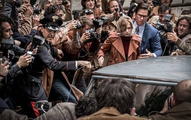 """Depois de doar salário de refilmagens de  """"Todo Dinheiro do Mundo"""", Mark Wahlberg causa nova polêmica"""