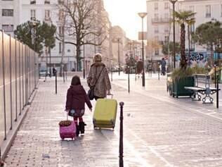 """""""Marussia"""", longa de abertura. traz mãe e filha em fuga para a França"""