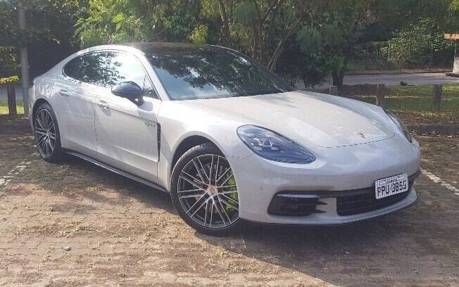 Porsche Panamera 4 E-Hybrid: esportivo nada discreto e um dos mais eficientes que estão disponíveis atualmente no Brasil