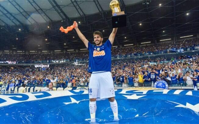 O meio-campista Lucas Silva está de volta ao Cruzeiro