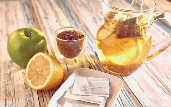 Receitas fáceis: para começar o dia, que tal um suco de maçã verde, limão-siciliano, camomila e chia