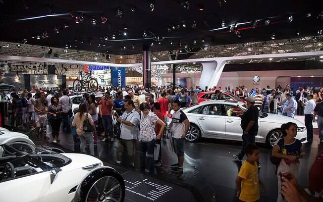 O Salão do Automóvel de São Paulo sempre atrai um grande público não apenas do Brasil, mas de todo Mercosul