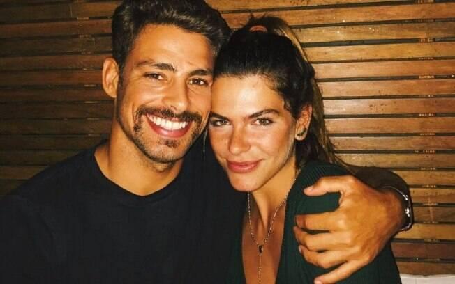 Cauã Reymond e Mariana Goldfarb fazem parte de uma lista de famosos que têm relacionamentos ioiôs
