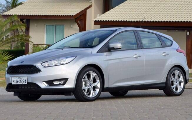 Ford Focus lidera vendas de hatches médios no mês de abril