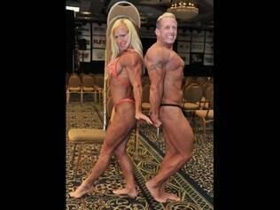Na foto, o casal Cristy Parave e seu marido, Dean.