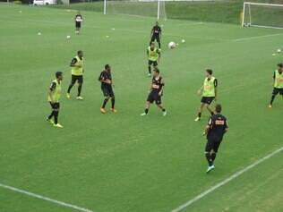 Jogadores do Atlético em treino na Cidade do Galo