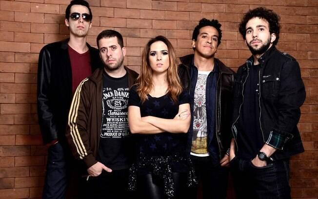 A Banda Renatinho é formada pelos humoristas Tatá e Mauricio Meirelles (