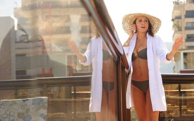 Alinne Rosa interpreta a amante do Presidente da República na minissérie